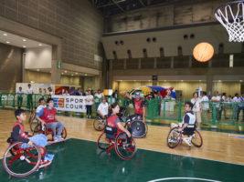 i enjoy ! パラスポーツパークに2500人が来場。初めての車椅子バスケットボールやレーサーに大盛り上がり