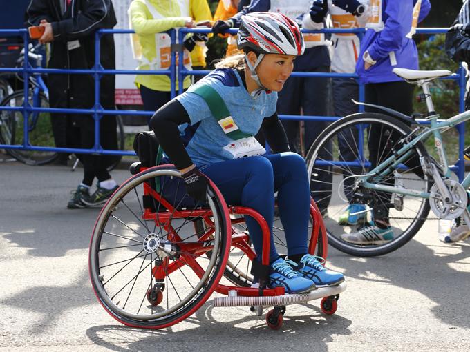 【8区】最下位が決定したチームのアンカー木村真野は、大声援の中で感動のゴール!