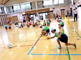 「ゴールボールって、楽しいね!」パラリンピック教材「I'mPOSSIBLE」を使った授業で小学生がパラスポーツを体験