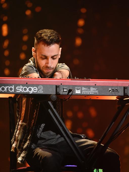 感動を呼んだバストスのピアノ演奏