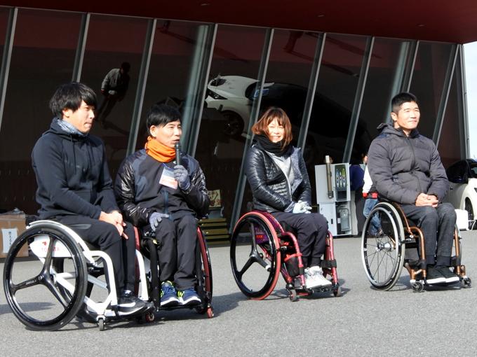 ゲストランナーの(左から)樋口政幸、中山和美、永尾嘉章、鈴木朋樹