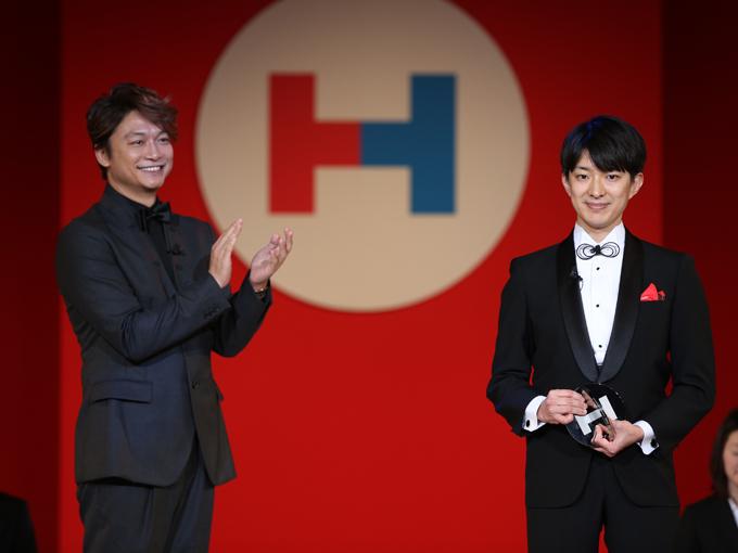 香取慎吾さん(左)と世界ゆるスポーツ協会の澤田智洋氏
