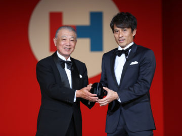 「HEROs AWARD 2017」宮本恒靖氏ら社会貢献した4名と2団体を表彰