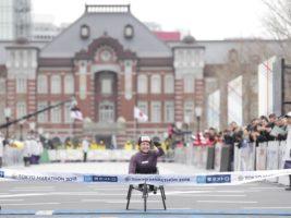 見据えるのは東京パラリンピック――世界トップランナーたちが競い合った東京マラソン2018