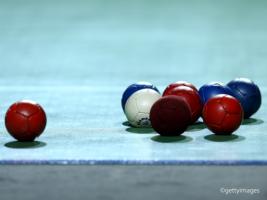 歓喜か涙か…その差はたった1ミリ。無数の戦略が広がる超頭脳戦スポーツ「ボッチャ」とは?