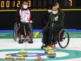 冬季パラリンピック競技の車いすカーリング・日本一をかけた熱戦の行方は……?