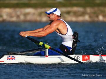 ゴールに背を向けて全力疾走! 水上の華麗なる筋肉バトル、パラリンピックのボートが熱い!