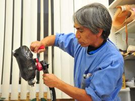 パラスポーツを支える「つくりびと」、義肢装具士・臼井二美男の人生を変えた義足