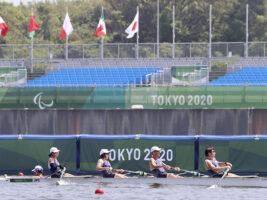 32歳差の5人組、ボート(フォア)予選最下位も「愛」で勝つ!