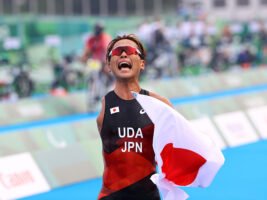 トライアスロン宇田秀生が猛追の銀、「幸せなストレート」で鉄人が泣いた